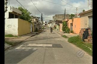 Problema de buracos é solucionado em passagem no Marco - Situação da rua foi mostrada há um mês no JL1.