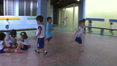Pediatra alerta sobre cuidados que se deve ter com quedas de crianças - Pais e professores de crianças devem ter atenção redobrada.