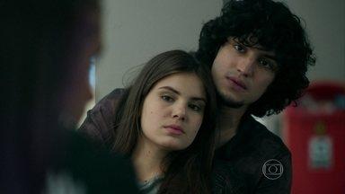 Guilherme conta para os amigos que vai se casar com Angel - Giovana fica desconfiada de Angel quando soube que Alex ficou nervoso ao saber do casamento