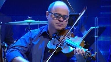 Jô convida Fábio Tagliaferri para tocar - Fábio é um exemplo de como algumas pessoas já nascem com o dom para certas atividades