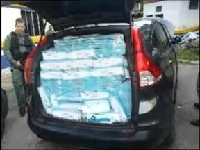 PRF flagra contrabando de cigarros na BR 392 em Morro Redondo - A polícia estima que quase 30 mil maços de cigarros estavam em um carro