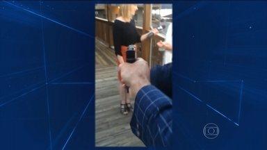 Homem abre fogo contra repórter e cinegrafista em transmissão ao vivo nos EUA - Os dois jornalistas eram da rede americana de televisão WDBJ 7, afiliada da CNN. Eles estavam fazendo uma entrevista ao vivo, quando um homem atirou na repórter e no cinegrafista.