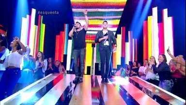 Esquenta! começa com Henrique e Diego dando palinha de 'Suíte 14' - Plateia canta junto com a dupla sertaneja
