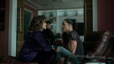 Fanny dá tapa na cara de Visky - Booker fica arrasado e procura consolo nos braços de Lourdeca