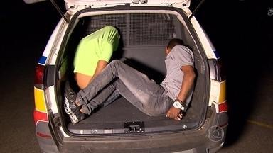 Assaltantes roubam supermercado dentro de shopping em Belo Horizonte - Funcionários foram feitos reféns; dois suspeitos foram presos.