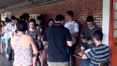 Começam amanhã as inscrições para o vestibular da UEL - Serão ofertadas mais de 2.500 vagas em 53 cursos de graduação.