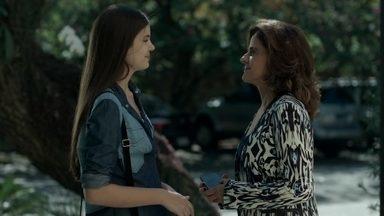 Capítulo de 07/09/2015 - Angel revela a Fanny que tem um caso com Alex