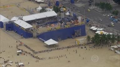 Shelda analisa evento teste do vôlei de praia em Copacabana - Ex-atleta e comentarista elogia público e qualidade do evento.