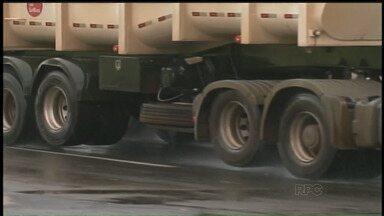 Caminhões voltam a pagar pedágio por eixo suspenso - A lei que isentava a cobrança tinha tinha sido aprovada em março.