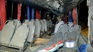 Três vítimas do acidente em Paraty seguem internadas em Ubatuba - Oito passageiros foram levados para a Santa Casa de Ubatuba.