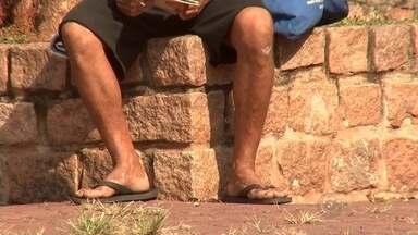 Moradora de rua é espancada pelo marido até a morte em Rio Preto - Uma moradora de rua de 39 anos foi agredida até a morte na madrugada desta terça-feira (8) em São José do Rio Preto (SP). As agressões teriam começado em um ponto de ônibus da Avenida Ernani Pires Domingues, região Norte da cidade.