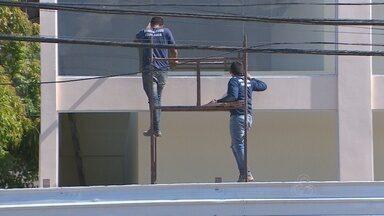 No Amapá, maior parte dos acidentes de trabalho ocorrem na construção civil - Laranjal do Jari lidera as estatísticas dos acidentes de trabalho, a maioria deles ocorrido na construção civil. Muitos operários ainda desconhecem a importância dos equipamentos de proteção.