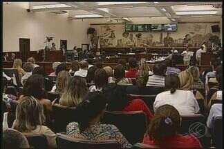 Plano de Carreira do Magistério é aprovado na Câmara em Uberaba - Votação foi realizada na manhã desta terça-feira (8). Presidente do Sindemu e secretária de Educação falaram sobre a aprovação.