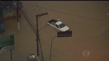 Chuva provoca grandes transtornos em São Paulo - Cidade de São Paulo entrou em estado de emergência por causa da chuva e registrou 12 pontos de alagamento. A cidade de Osasco está enfrentando uma enchente como as de verão.