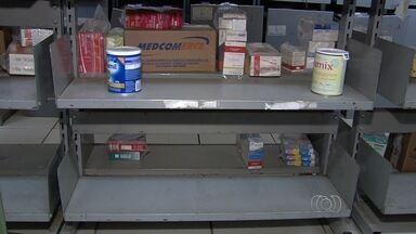 Mães não conseguem leite especial para filhos com alergia em Goiás - Famílias não têm condições de comprar o alimento de alto custo. Prefeitura prometeu regularizar o fornecimento.