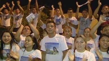 Carreata e missa lembram jovem morta após briga de trânsito no AM - Vítima foi atingida por chave de roda supostamente jogada por adolescente.Yasmin Paiva morreu no dia 22 de agosto, em Manaus.