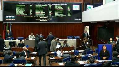JPB2JP: Deputados se estranham durante votação sobre o fim do voto secreto - O voto aberto foi aprovado para duas situações.