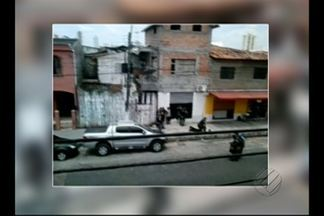 Um taxista foi baleado no bairro do Umarizal, em Belém - Segundo testemunhas, a vítima teria se negado a dar fuga a criminosos, que fugiam de uma tentativa de sequestro.
