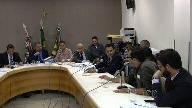 Ex-diretor da Secretaria Municipal de Educação depõe na Camara, em Goiânia - Controladoria Geral do Município investiga descontrole na compra de merenda escolar.