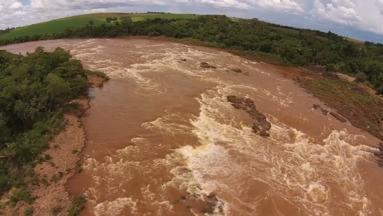 A natureza quase intocada do Rio Piquiri (parte 2) - O desmatamento provocado pela agricultura e a possível construção de hidrelétricas são as principais ameaças para um dos principais rios que cortam o Paraná.