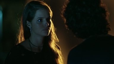 Giovanna revela tudo o que sabe sobre Alex e Angel para Guilherme - A modelo confessa que armou para acabar com o namoro do primo