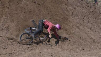Em Movimento: confira as quedas da galera do BMX - Para acertar as manobras é preciso tentar várias vezes e as quedas são apenas consequências dessas tentativas