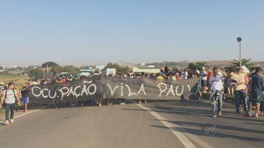 Protestos bloqueiam avenidas de Campinas - Na manhã desta quarta houve protesto dos moradores do San Martin, que pediam moradia e dos moradores do Satélite Íris, que reivindicavam melhorias no bairro.