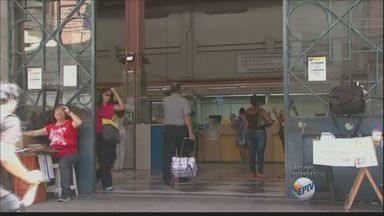 Trabalhadores dos Correios entram em greve - Segundo o sindicato da categoria, a greve tem adesão de 70% dos trabalhadores.