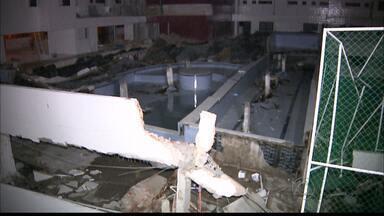 Parte de estrutura de prédio desaba no bairro Treze de Maio, em João Pessoa - A Defesa Civil fez uma vistoria no local e garantiu que a estrutura do prédio não está comprometida.