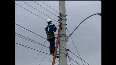 Temporal deixa consumidores sem energia elétrica em Rio Grande, RS - Ocorrências de chuva de granizo causaram preocupação para moradores.