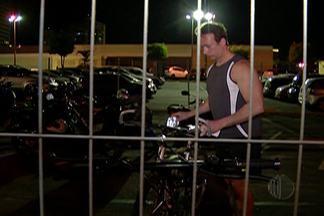 De Olho nas Compras: conheça seus direitos no caso de cobrança de estacionamento - Dr. Dori Boucault esclarece dúvidas de homem que teve o estacionamento da bicicleta cobrado.
