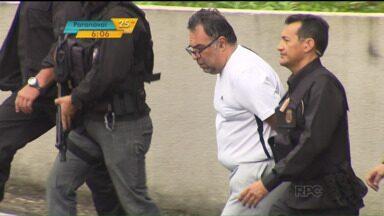 O ex-deputado André Vargas é o primeiro político condenado na Operação Lava Jato - Vargas e mais duas pessoas foram condenadas por fraude em contratos com a Caixa e o Ministério da Saúde. O petista foi condenado a 14 anos e quatro meses, mais multa, por corrupção e lavagem de dinheiro.