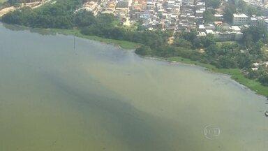 Dragagem das lagoas da Barra e Jacarepaguá começará só em janeiro - O projeto de dragagem previsto para estar concluído até as Olimpíadas só vai começar no ano que vem e vai durar 30 meses. Por enquanto, está sendo feita a limpeza do mangue e o replantio de árvores.