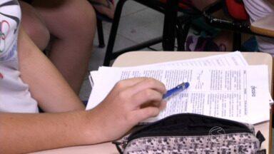 A um mês do Enem, RJTV dá dicas aos estudantes - Muitos estão ansiosos, mas, por outro lado, se preparando muito para garantir uma boa nota; provas serão nos dias 24 e 25 de outubro.