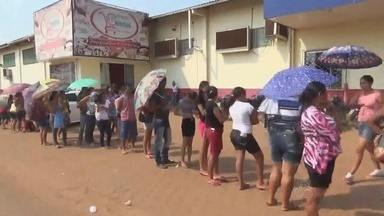 Usuários do Bolsa Família relatam problemas para receber benefício no AM - Única casa lotérica da cidade de Apuí não está funcionamento.