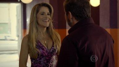Marlene conta para Genésio que Celma não está grávida - Ele fica aliviado e diz que não quer ter filho, frustrando a cabelereira