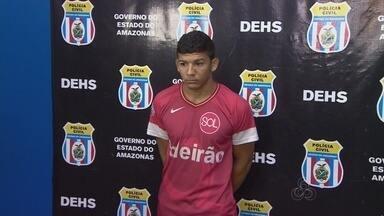 Suspeito de envolvimento em morte durante chacina é preso, em Manaus - Vítima de 20 anos foi morta com 11 tiros no pátio de casa, no dia 20 de julho. Crime ocorreu durante chacina que resultou em 37 mortes, em Manaus.