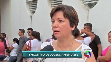 Jovens aprendizes que atuam em cooperativas participam de encontro em Cuiabá - Jovens aprendizes que atuam em cooperativas participam de encontro em Cuiabá
