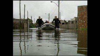 Vila da Quinta é o local mais atingido pela chuvarada em Rio Grande, RS - Como moradores enfrentaram os transtornos após nível do Arroio das Cabeças subir.