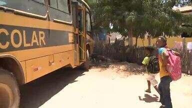 Transporte escolar é feito de forma irregular e perigosa em Nazaré do Piauí - Transporte escolar é feito de forma irregular e perigosa em Nazaré do Piauí