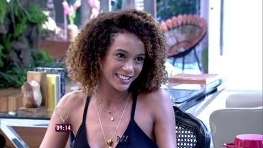 Lázaro Ramos e Taís Araújo falam de boatos relacionados a Ronaldinho Gaúcho - Eles contam que não reclamaram do barulho na casa do jogador de futebol