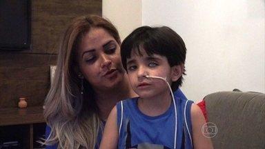 Recado de Matheus e mãe do menino emociona Fernando e Francis - 'Estou com muita saudade de vocês', diz a criança que conviveu com os 'palhaços' em hospital