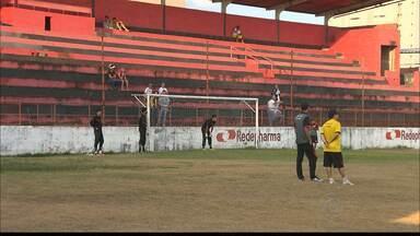 Campinense faz treino aberto no Estádio Renatão - Na quarta-feira, Diá não escondeu o jogo e comandou as atividades com presença da torcida. Elenco treinou cobranças por pênalti.