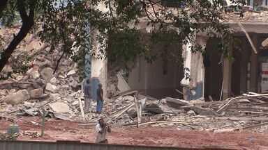 Clube Saldanha da Gama começa a ser demolido - Metade do terreno foi vendida para uma construtora