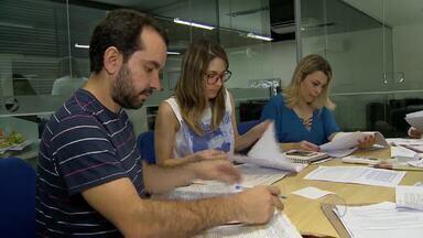 Comissão da TV Integração analisa cartas dos inscritos para o 'Repórter Mirim' - Em todas as praças, foram recebidas 644 cartas de crianças interessadas em participar do projeto. Os selecionados serão divulgados no MGTV 1ª edição deste sábado (4).