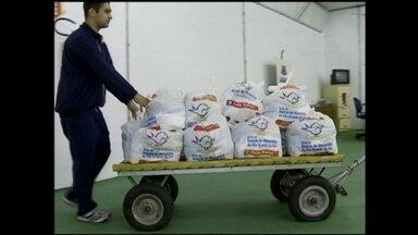 Banco de Alimentos entrega novas doações à Defesa Civil - Em menos de duas semanas, o Banco já repassou meia tonelada de alimentos em Rio Grande, RS