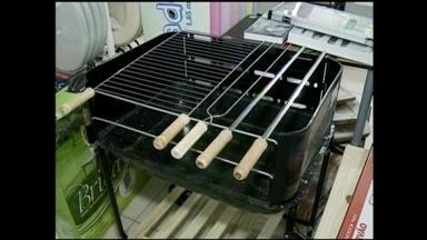Bombeiros orientam sobre o uso de churrasqueiras portáteis - O uso do equipamento dentro de casa pode causar incêndios
