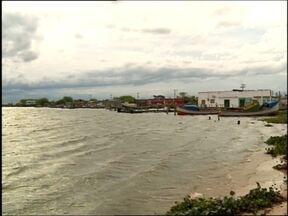 Nível da Lagoa dos Patos sobe e provoca estragos na estrada do pontal - Canal São Gonçalo chegou a 1,6 metros quando o normal fica em torno de 1,2 metros.