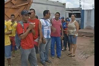 Garis mantém greve no município de Castanhal - Paralisação resultou em acúmulo de lixo pela cidade.