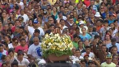 Fieis celebram dia de São Francisco de Assis - Santo é conhecido por ser padroeiro dos animais e da natureza.